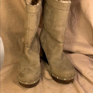 UGG leather wood platform high ankle boots sz39/8